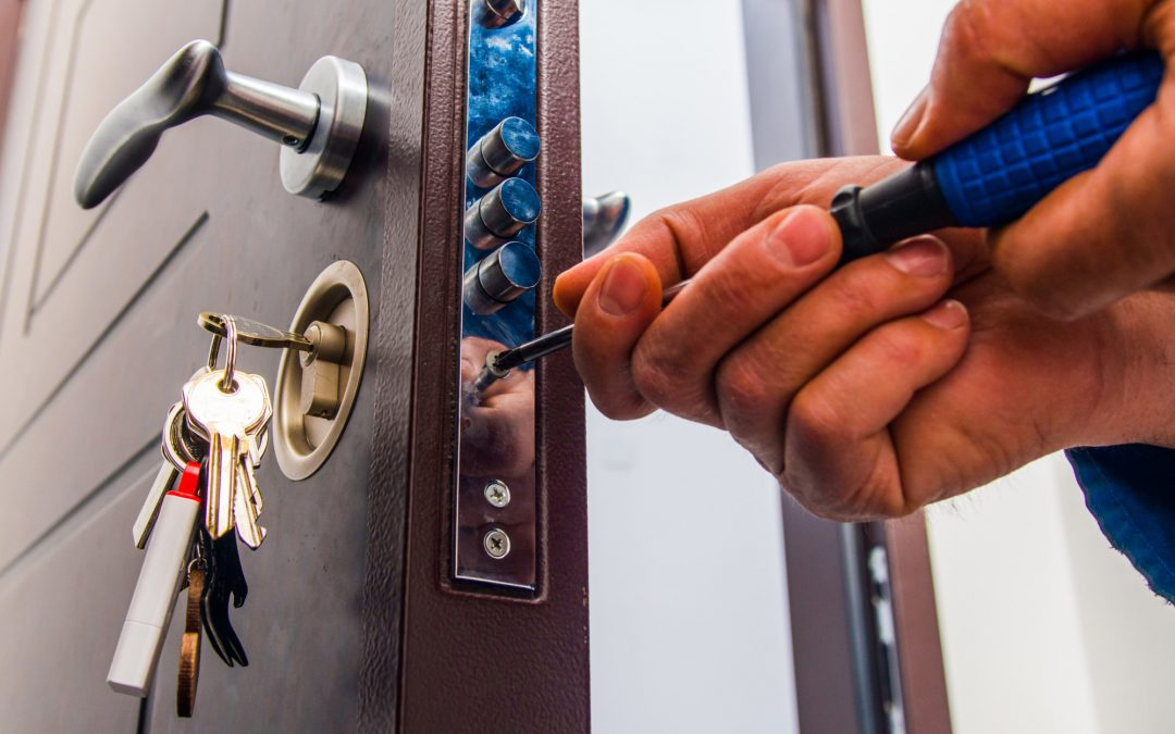 what does a locksmith do